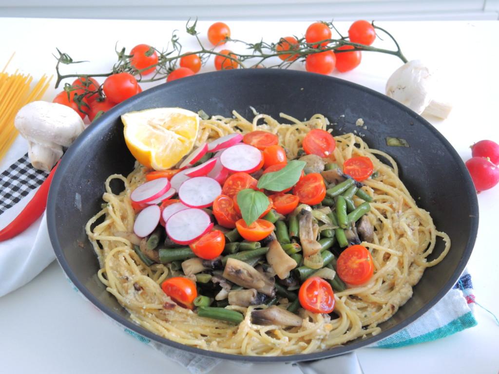 wegetariańskie kremowe spaghetti