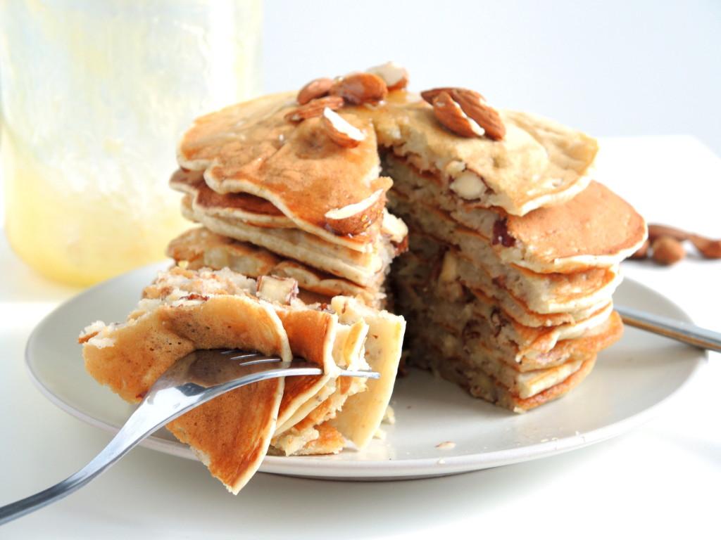 bananowo-migdałowe pancakes