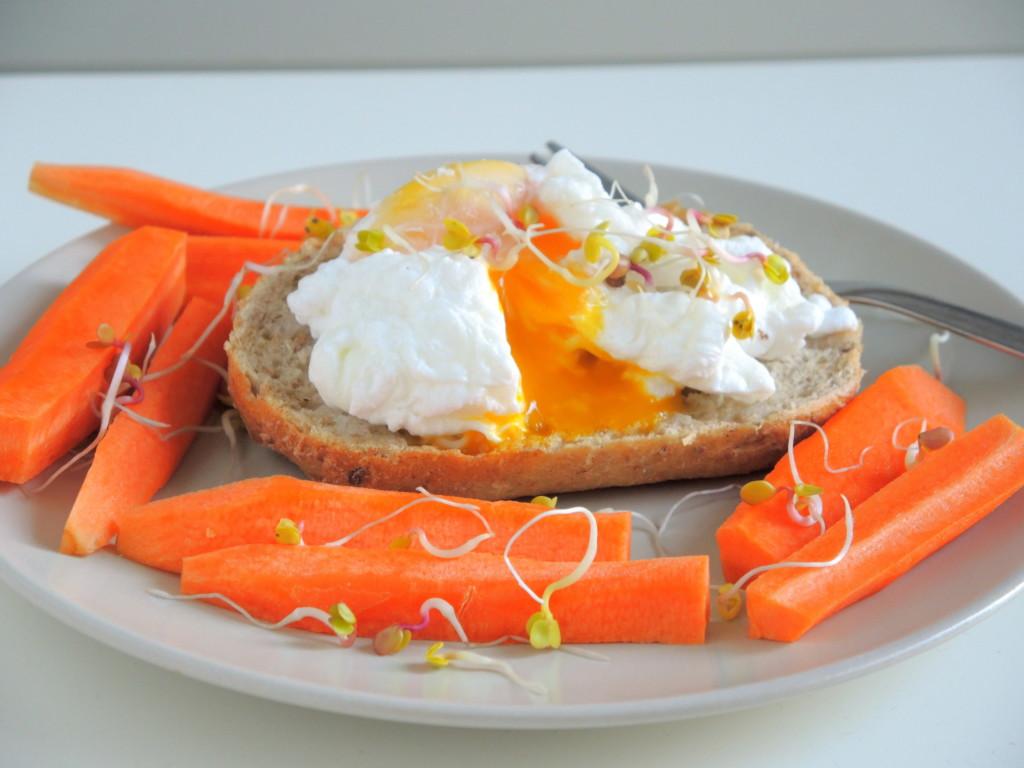 bułka z jajkiem