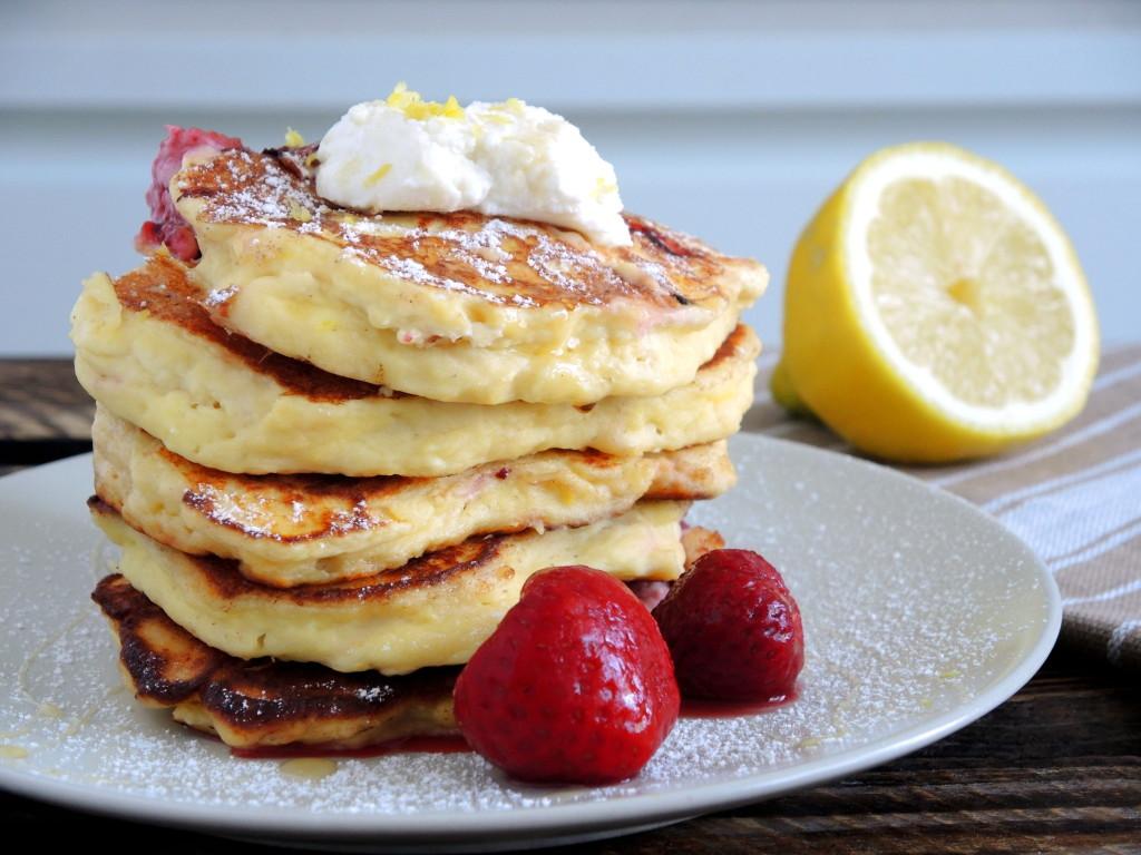 truskawkowo-cytrynowe pancakes