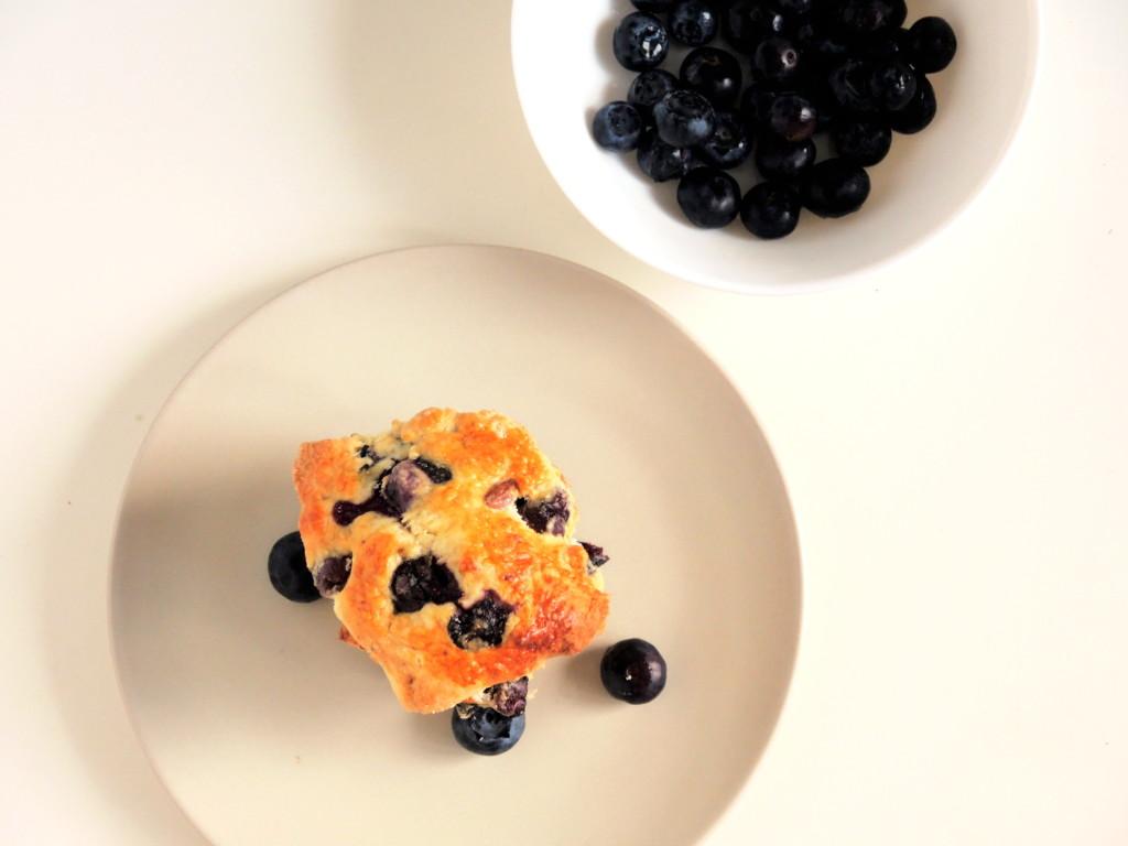 jagodowo-migdałowe scones