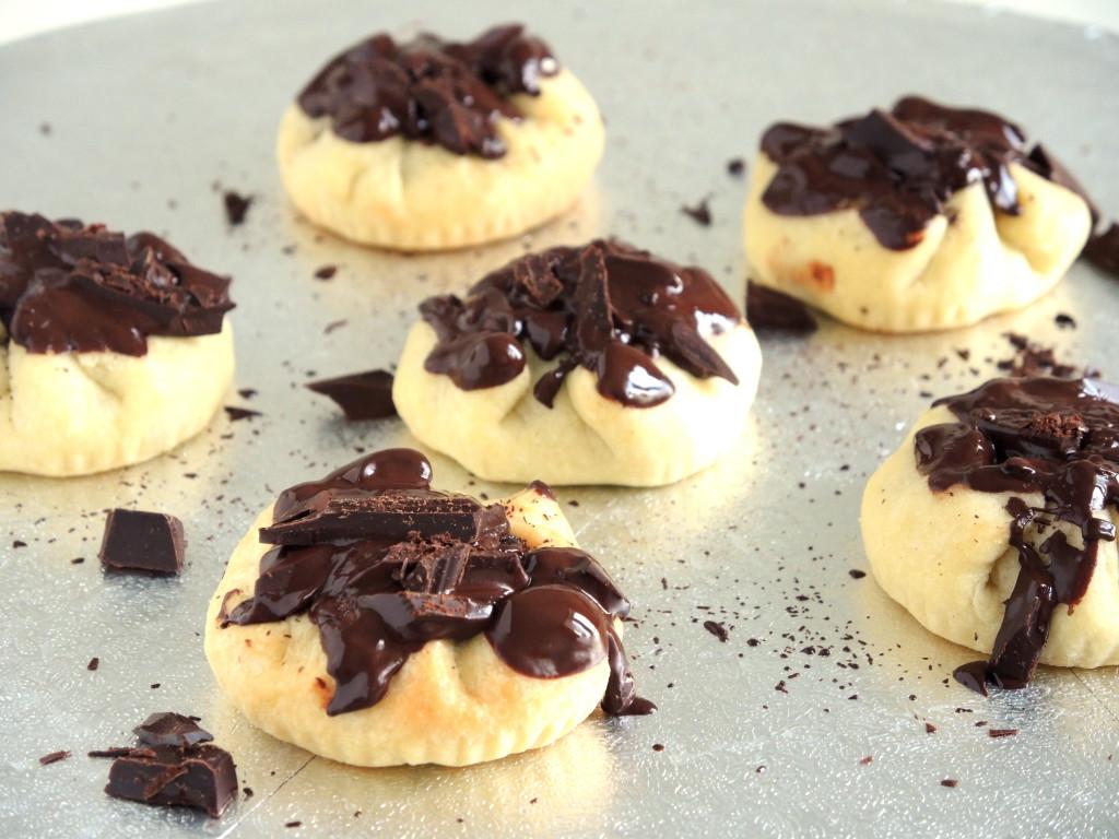 kruche ciasteczka nadziane czekoladą