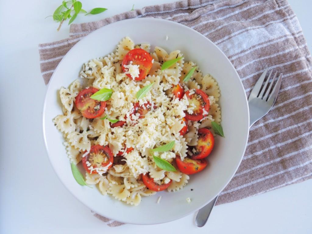 pomidorowo-czosnkowy makaron