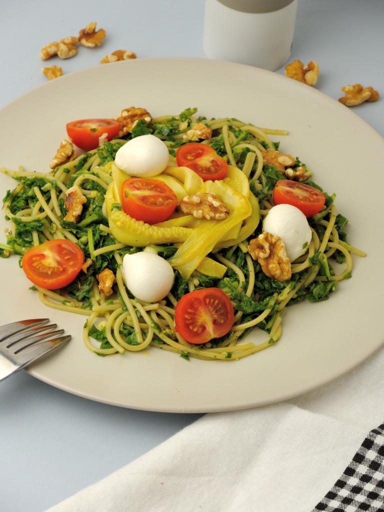 spaghetti z szpinakowym pesto