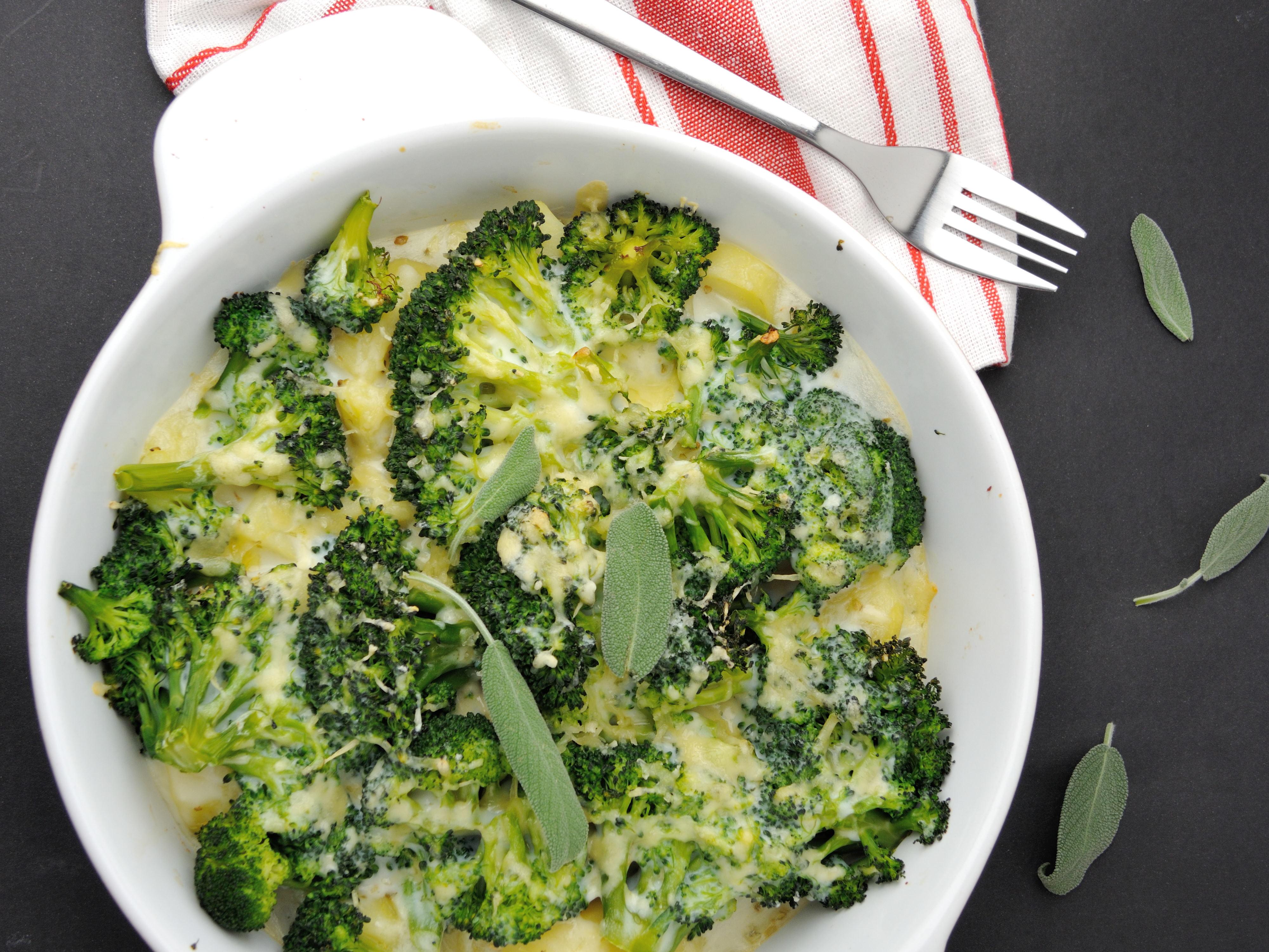 Kremowa Zapiekanka z Brokułami i Ziemniaczkami