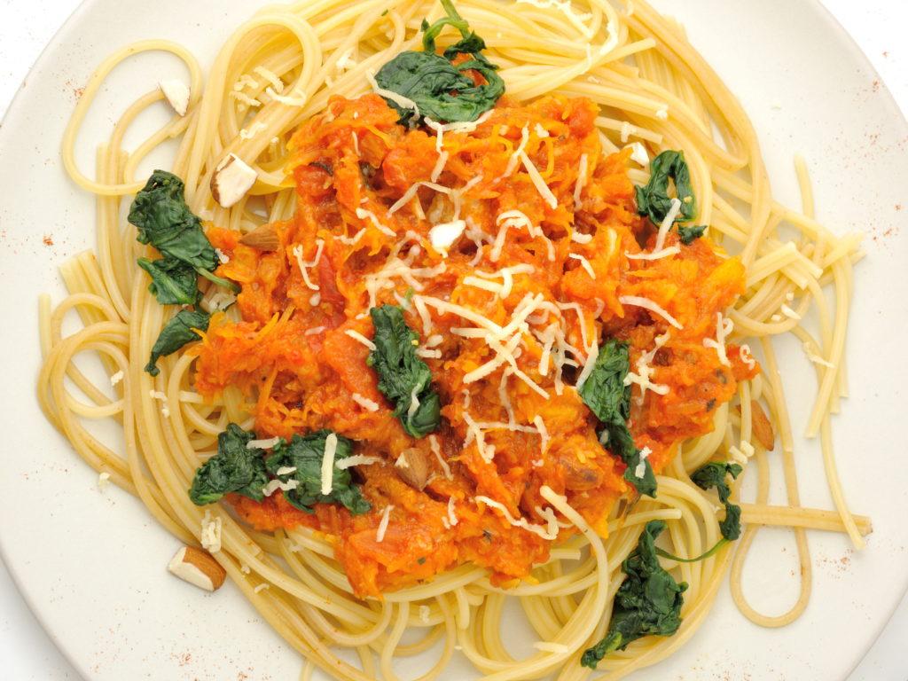 spaghetti-z-dyniowym-sosem2