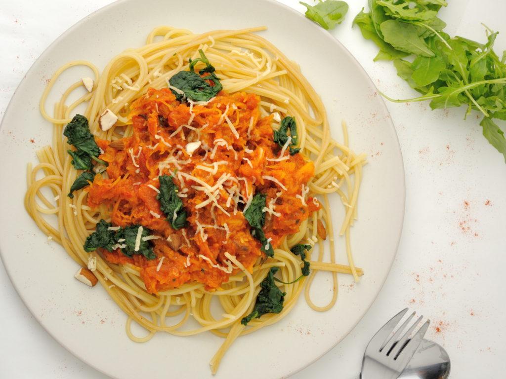 spaghetti-z-dyniowym-sosem3