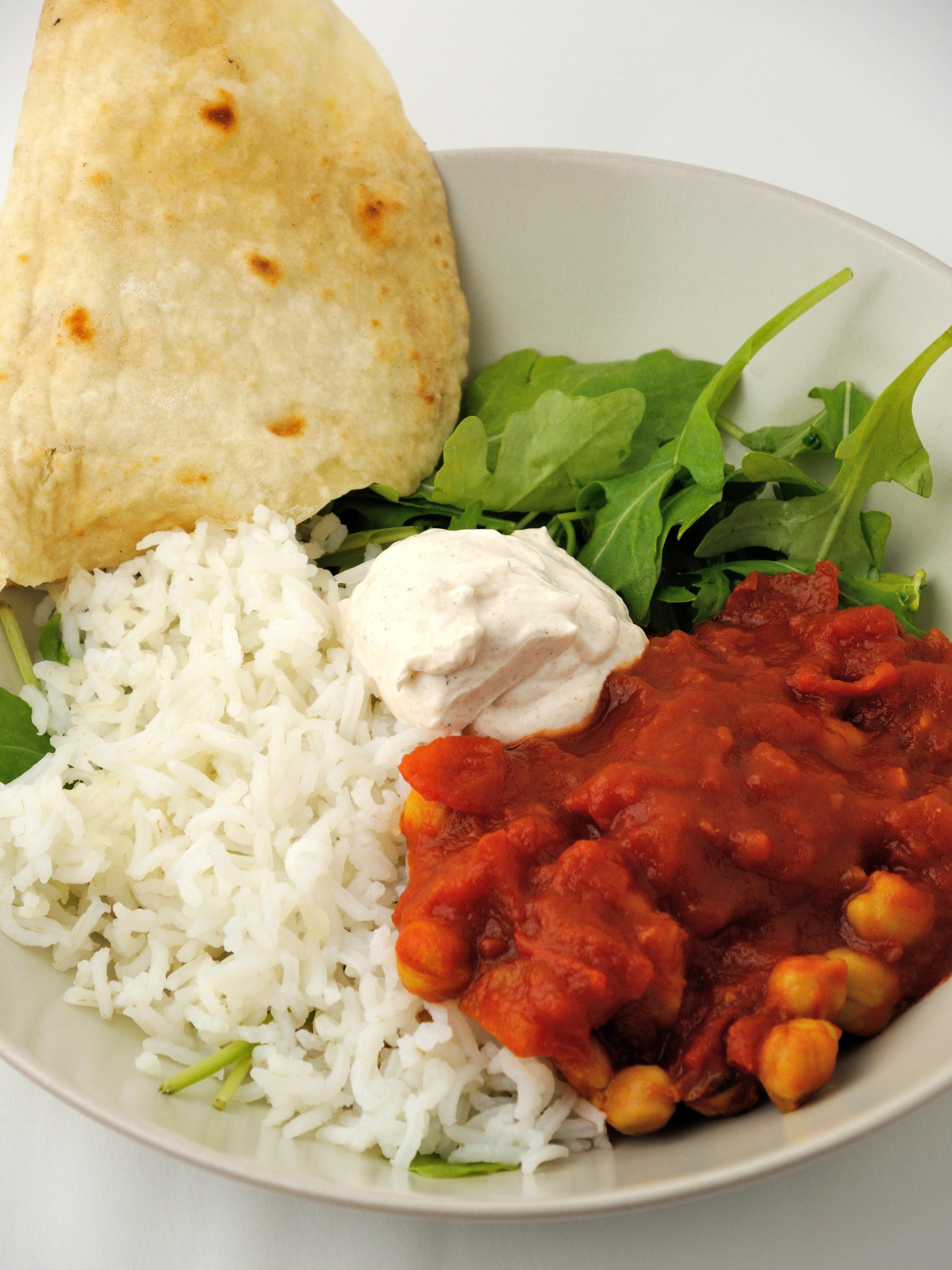 Szybkie Curry z Ciecierzycą