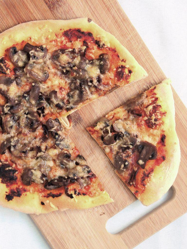 Pieczarkowa pizza