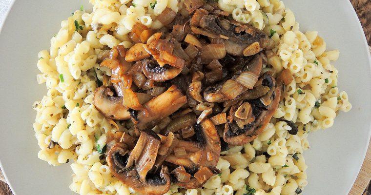 Wegańskie Fettuccine Alfredo z grzybami