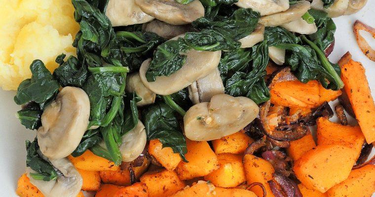 Pieczona dynia z grzybami, pure z ziemniaków i sosem orzechowym