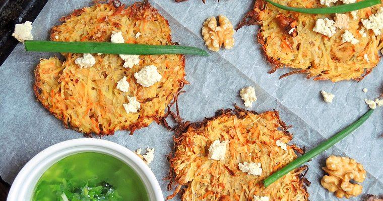 Pieczone placki ziemniaczano-warzywne z wędzonym tofu