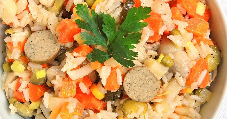 Zimowa sałatka jarzynowa z ryżem