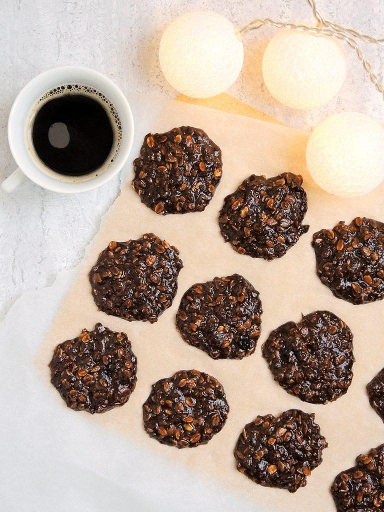 Czekoladowo-orzechowe ciasteczka bez pieczeni