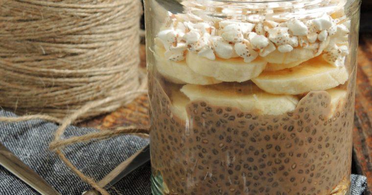 Czekoladowy pudding chia z bananem