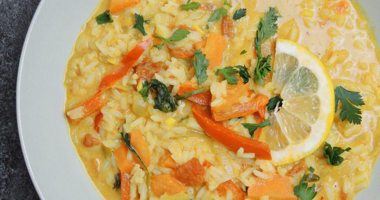 Czerwone tajskie curry warzywne