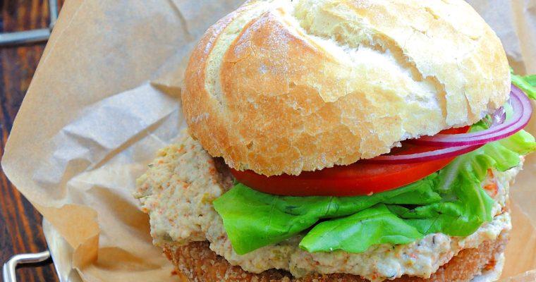 Wegański Grill – Burgery z Oliwkowym Kremem