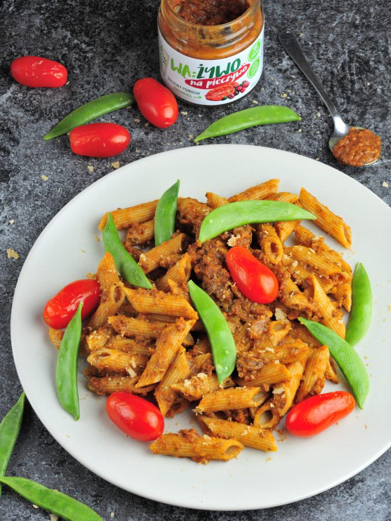 Makaron z Pastą Pomidorową, czyli szybka włoska uczta