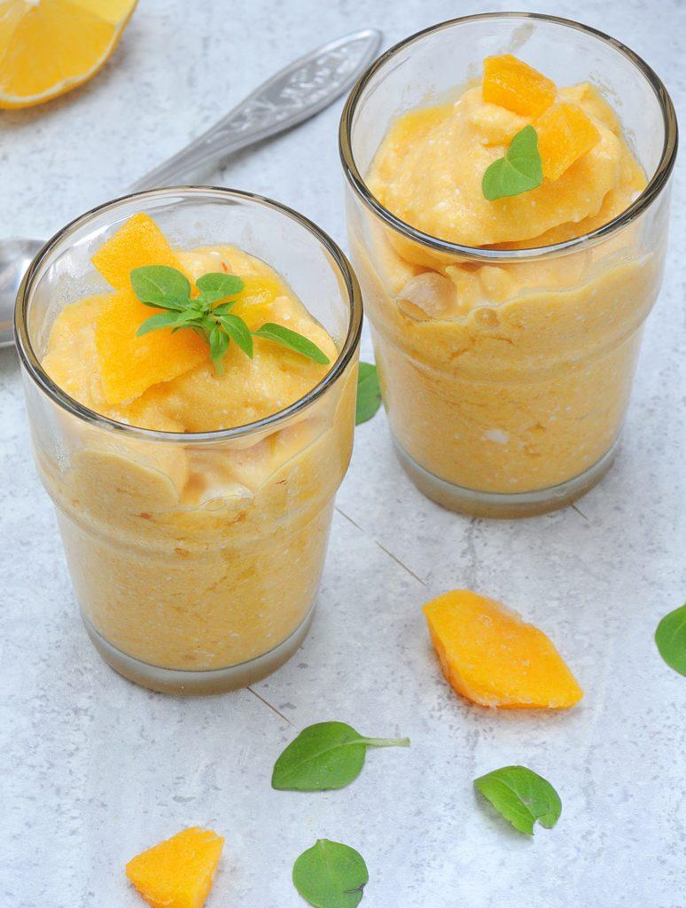 Złote Mango-Kokosowe Smoothie z Limonką