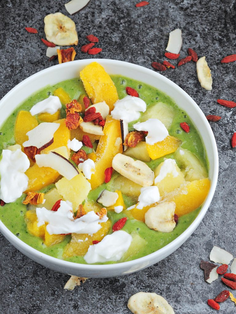 Zielone Smoothie Bowl z Mango
