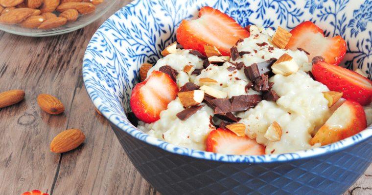 Jaglanka z truskawkami i czekoladą