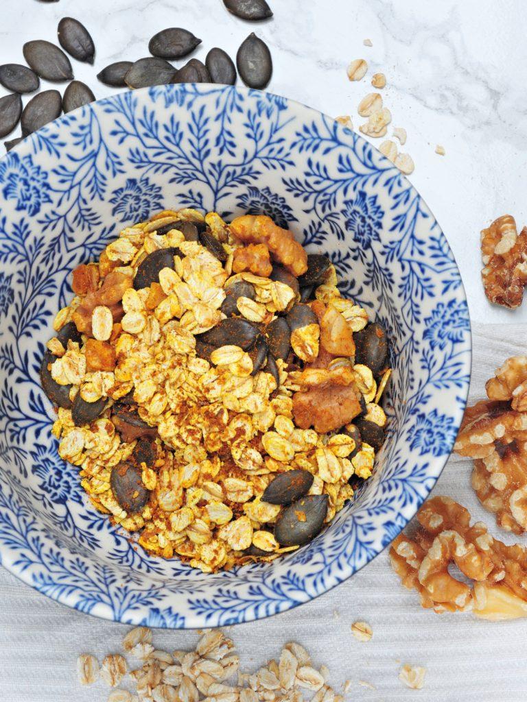 Domowa złota granola z kurkumą