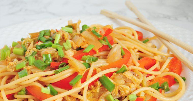 Warzywny Chow Mein
