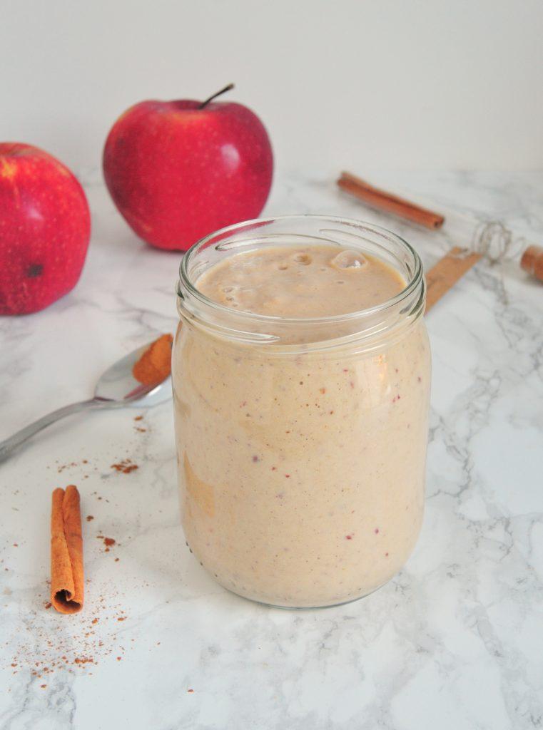 Smoothie jabłkowo-cynamonowe (wysokobiałkowe!)
