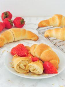 Wegańskie francuskie croissanty