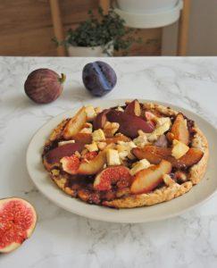 Tarta śliwkowo-figowa z orzechami włoskimi