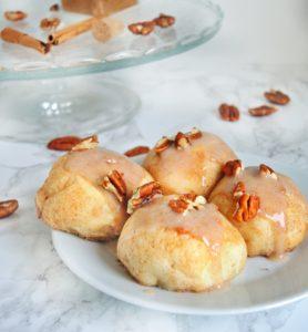 Bułeczki karmelowe z orzechami pekan