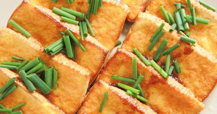 Smażone Tofu z Sosem Sojowym