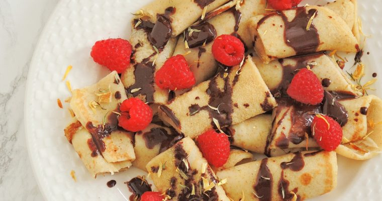 Naleśniki z czekoladą i malinami