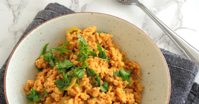 Curry z granulatem sojowym