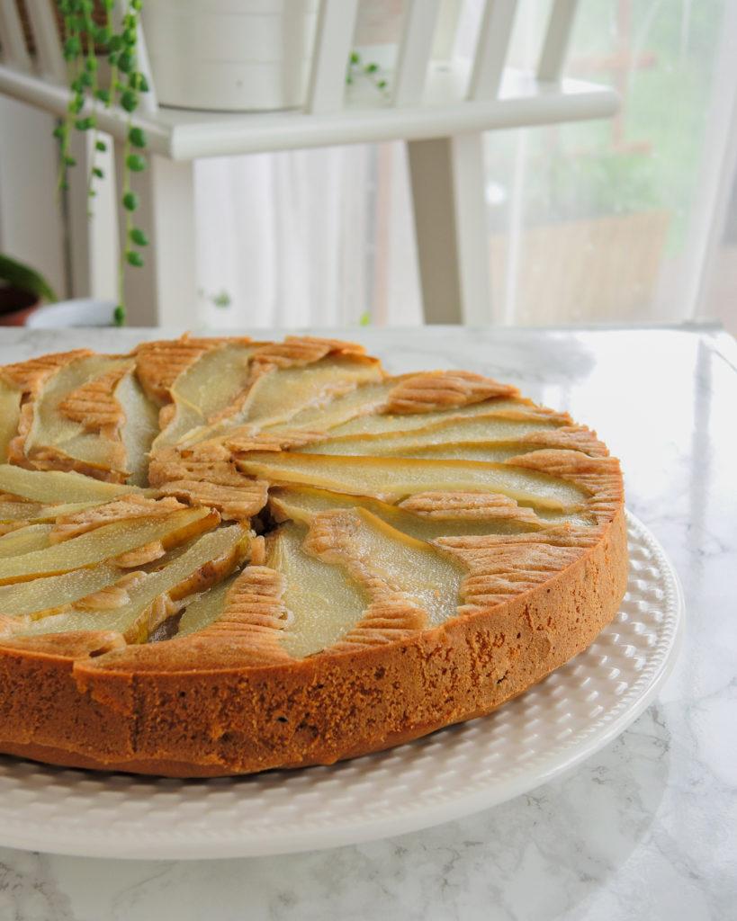 Odwrócone ciasto z gruszkami