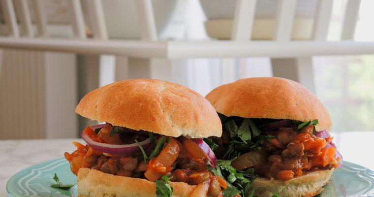 Burgery dla leniwych – czyli gulasz z soczewicą